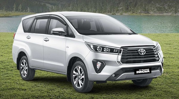 toyota innova crysta facelift bookings open, will be